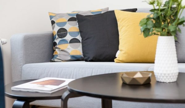 Using Designer Cushions To Create Beautiful Interior Designs